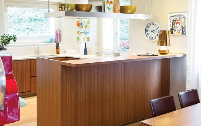penisola cucina in una casa privata